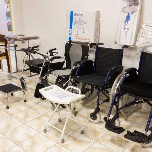 Invalidné voziky a ich príslušentsvo